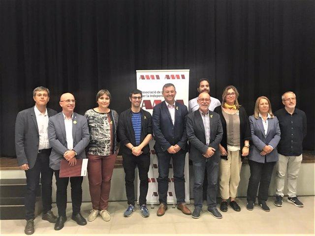 Executiva de l'AMI amb el seu president, Josep Maria Cervera