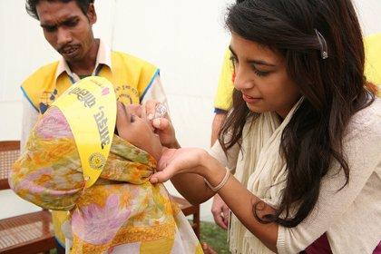 Hay un riesgo continuo de que la polio se propague en Europa