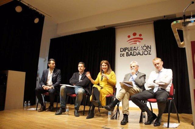 Las jornadas 'Extremadura vota a Europa' reúnen en Badajoz a jóvenes para analiz