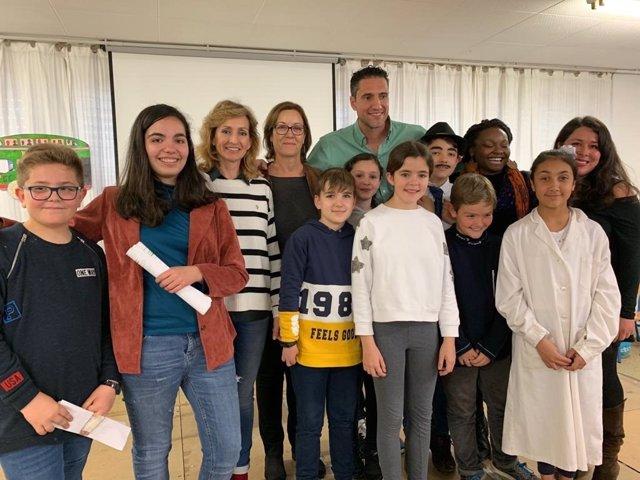 Córdoba.- Educación.- 8M.- La delegada de la Junta visita el CEIP Juan de Mena p