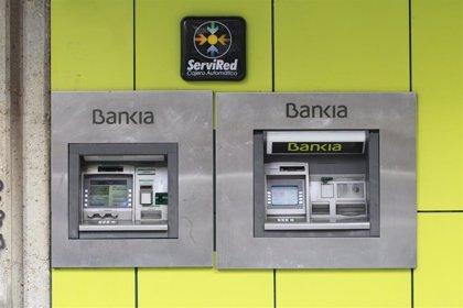 El sector financiero alcanza una brecha salarial del 40%, según denuncia Adicae