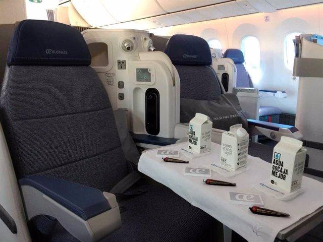 Air Europa, finalista en los Premios Onboard Hospitality por sus envases de agua