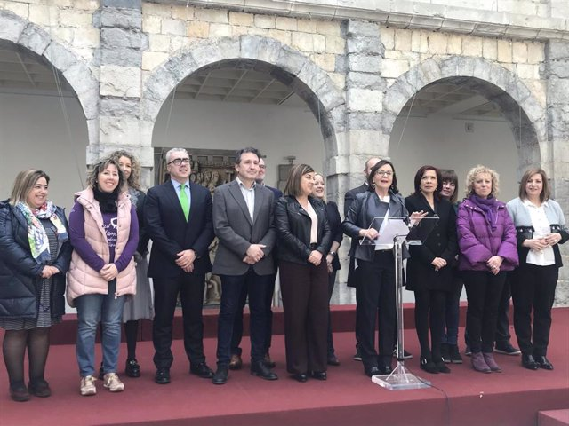 """8M.- El Parlamento Reivindica La Igualdad Como """"Necesidad Estratégica"""" Para Una"""