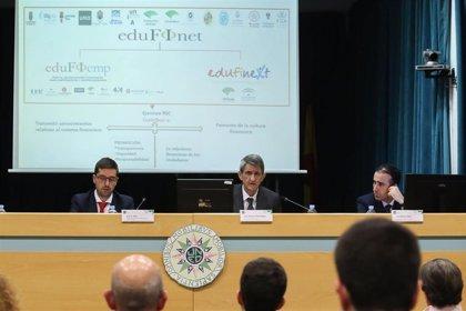 Unicaja ofrece claves para la toma de decisiones financieras a los alumnos de la UNED y de la UMA