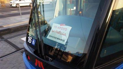 Los trabajadores del tranvía mantienen la huelga y habrá paros parciales el fin de semana de Piñata