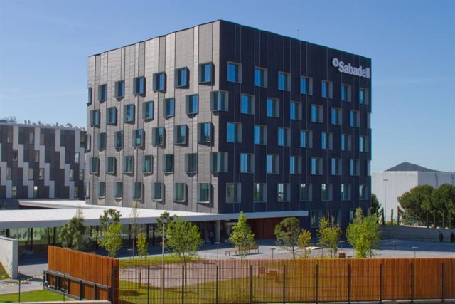 Nuevo Edificio Corporativo De Banco Sabadell En Sant Cugat
