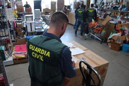 Detenidas 23 personas por vender en 24 comercios de Mallorca y uno de Ibiza pirotecnia sin autorización