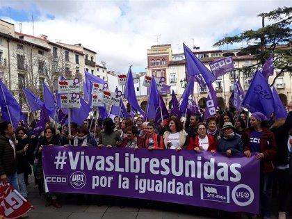 8M.- Una concentración pide en Logroño la igualdad real y efectiva