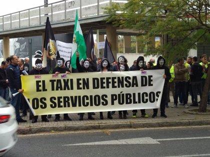 """Élite Taxi cree que la intervención de Carazo prueba que no prevé actuar contra el """"intrusismo"""" de los VTC"""