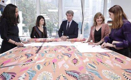 Casi 20 mujeres en exclusión forman parte de Ellas lo bordan, compañía que elabora piezas textiles para venta online