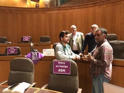 La igualdad de género, clave en la sesión de las Cortes, con ausencia de numerosos diputados