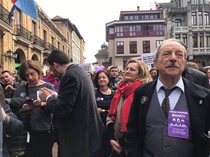 """El alcalde de Oviedo llama a """"no bajar la guardia"""" para preservar los derechos sociales y la igualdad"""