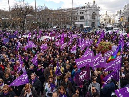 """Carmena celebra que Madrid """"es violeta, feminista"""" y avisa de que """"no habrá marcha atrás"""" porque es """"necesario"""""""