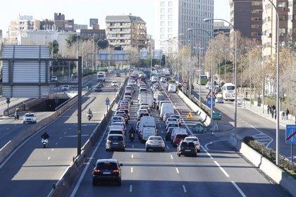 Normalidad en los accesos y salidas de Madrid con un tráfico similar al de otros viernes