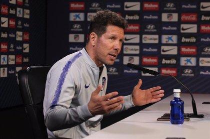 """Simeone: """"A los que ven menos fútbol les sorprende lo del Real Madrid y PSG"""""""