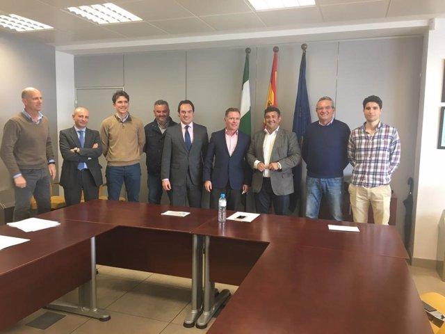 Huelva.- Empresarios de la construcción trasladan a la Junta las preocupaciones