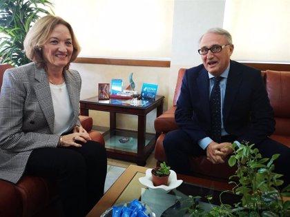 "Caicedo ve de ""gran interés"" culminar la línea regular de Almería con Francia para transporte de hortalizas"