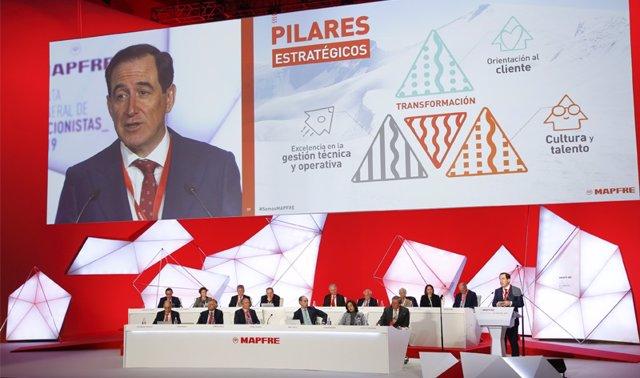 El presidente de Mapfre, Antonio Huertas, durante la junta general de accionista