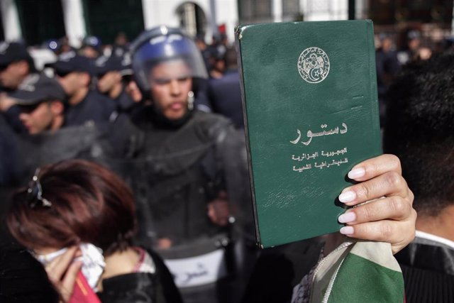 Lawyers protest against Bouteflika\'s fifth term bid in Algeria