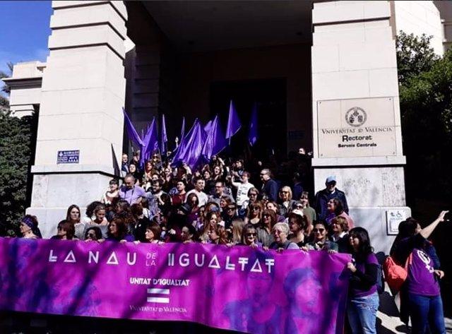 8M.- Educación Cifra En Un 20% El Seguimiento De La Huelga Feminista Entre Las D