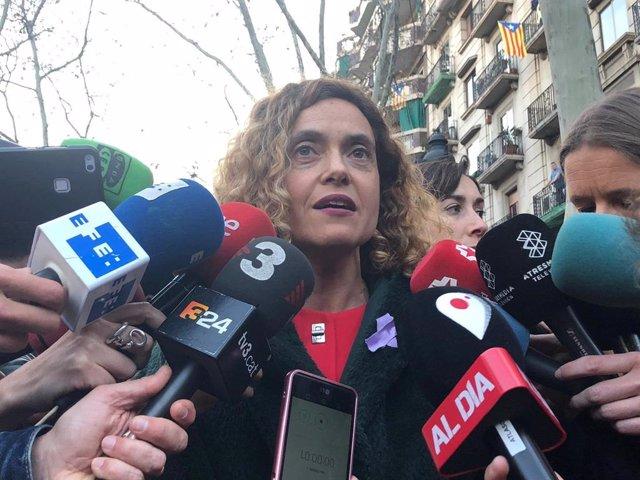 """8M.- Batet Reclama """"Ni Un Pas Enrere"""" En Els Drets De les Dones I Veu Peligr"""
