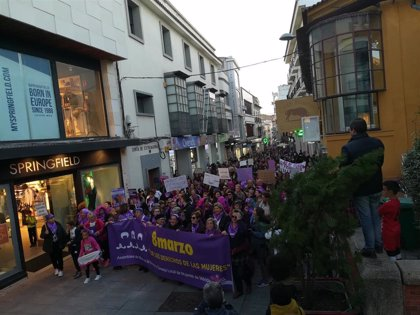 """Más de 4.500 personas se manifiestan en Mérida este 8M para clamar """"por los derechos de las mujeres"""""""