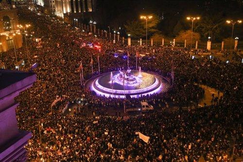 8M.- Más de 350.000 personas asisten a la manifestación feminista de Madrid, el