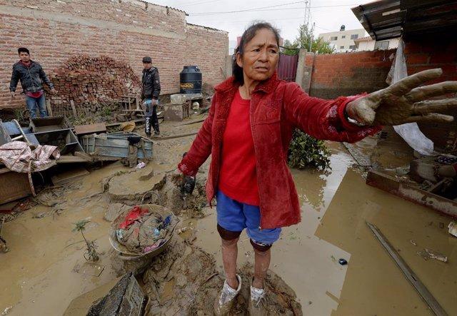 Desbordamiento del río Tiquipaya debido a las fuertes lluvias en Bolivia