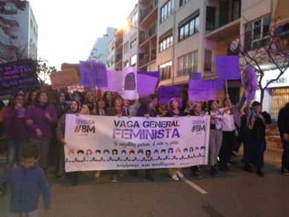 Unas 3.000 personas participan en Ibiza en la manifestación del Día de la Mujer
