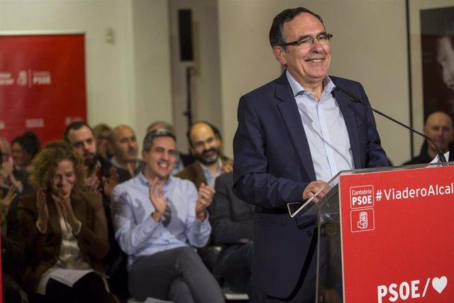 """Torrelavega.- Cruz Viadero presenta una lista que combina """"renovación y experien"""