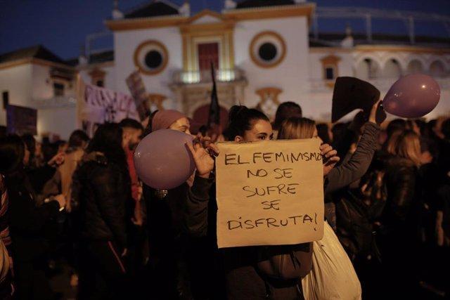 8M.- Andalucía Cierra La Jornada Reivindicativa Del Día De La Mujer Con Manifest