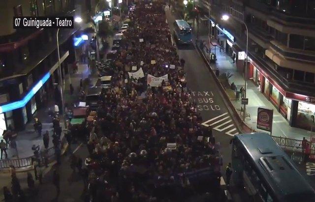 8M.- Miles De Personas Participan En Canarias En Las Manifestaciones Feministas