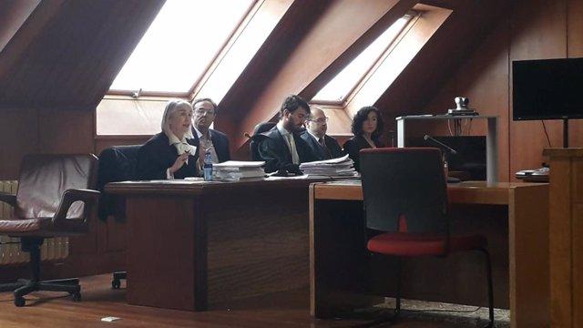 Fiscalía y Cantur rebajan la presunta malversación de Higuera a 92.800 euros