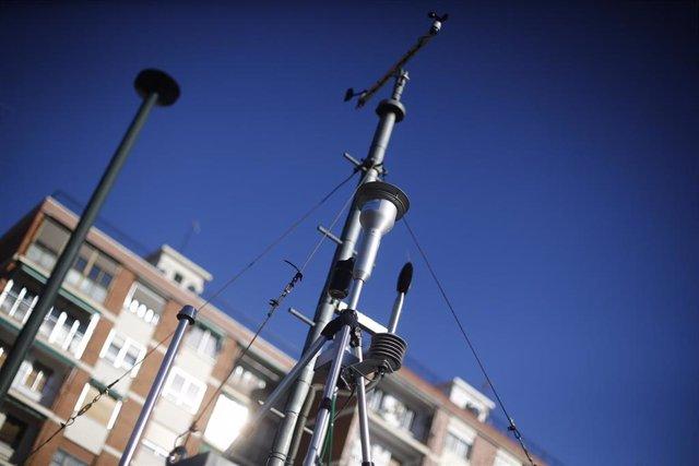 Fotos de recurso de la Estación de Medición de Calidad del Aire de Madrid