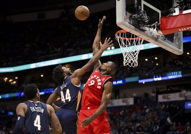 Baloncesto/NBA.- Un 'doble-doble' de Ibaka para el triunfo de los Raptors en Nue