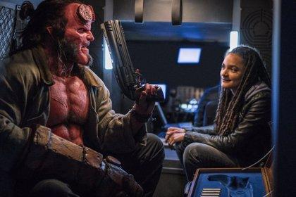 Hellboy caza brutales monstruos en el nuevo adelanto