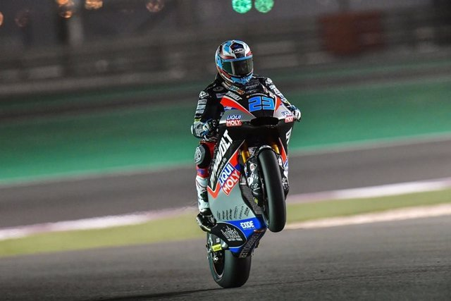 Motociclismo/GP Catar.- Schrotter alarga los récords y consigue la 'pole' de Mot