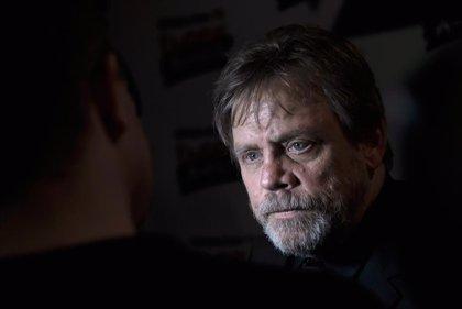 """Mark Hamill critica que las nuevas películas de Star Wars se estrenan """"demasiado rápido"""""""