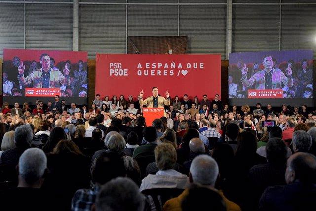 El presidente del Gobierno, Pedro Sánchez, asiste a un acto del PSdeG-PSOE