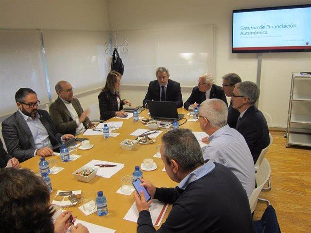 El Gobierno murciano busca una posición común de las comunidades del arco medite