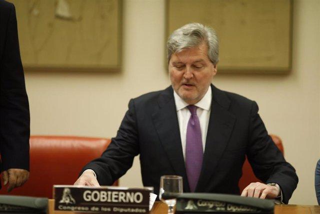 Íñigo Méndez de Vigo comparece en la Comisión de Educación y Deporte