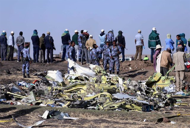 Economía/Transportes.- Encontradas las dos 'cajas negras' del avión de Ethiopian