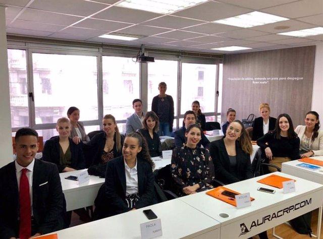 COMUNICADO: La aerolínea Air Horizont selecciona en Aura Vigo a 15 tripulantes