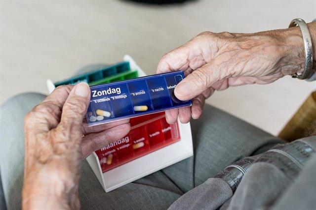 Anciano polimedicado, polimedicación, cronicidad