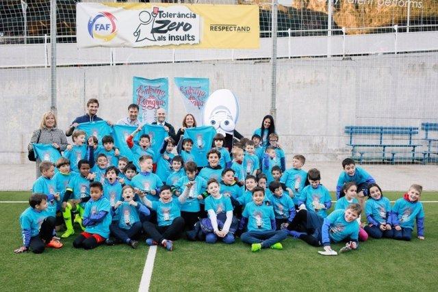Andorra fomenta el català entre els 6.000 joves que fan esport extraescola