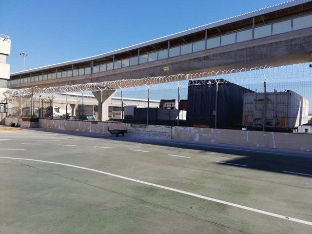 Concertinas en el puerto de Melilla