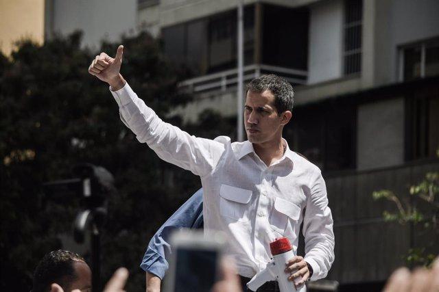 """Guaidó amenaza con aplicar el artículo 187 """"cuando llegue el momento"""", ¿qué impl"""