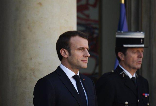 Macron and Merkel discuss Brexit in Paris