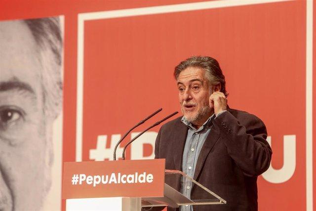Pepu Hernández será candidato del PSOE a la Alcaldía al imponerse claramente a s