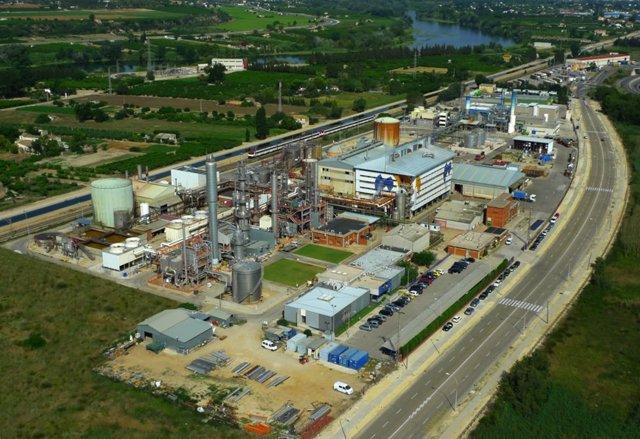 Ercros amplía su capacidad de producción en Tortosa para responder a la demanda del mercado